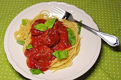 Neapolitanische Fleischbällchen in Tomatensauce (Bild)