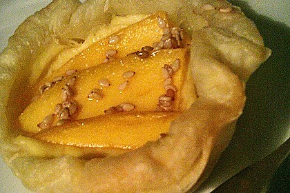 Blätterteig-Mangocreme-Nester