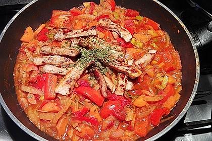Gemüsegulasch mit gebratenem Schweinefilet 1