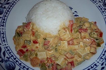 Schnelles und sahniges Wokgemüse mit geräuchertem Tofu