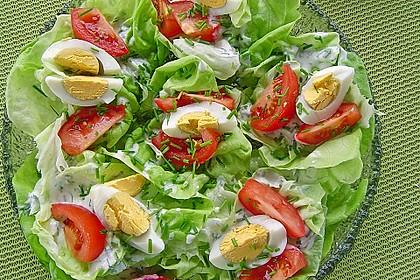 Bunte Kopfsalatnester mit Joghurt-Kräuterdressing 2