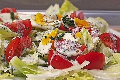 Bunte Kopfsalatnester mit Joghurt-Kräuterdressing 3