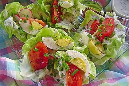 Bunte Kopfsalatnester mit Joghurt-Kräuterdressing 6