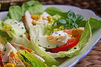 Bunte Kopfsalatnester mit Joghurt-Kräuterdressing 8