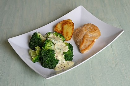 Brokkoli mit Parmesan-Senf-Sauce 1