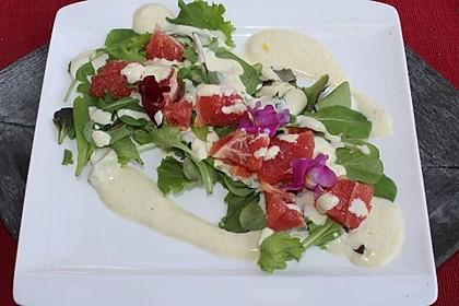Blattsalate mit Grapefruit und Joghurt-Dressing 3