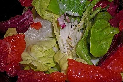 Blattsalate mit Grapefruit und Joghurt-Dressing 4