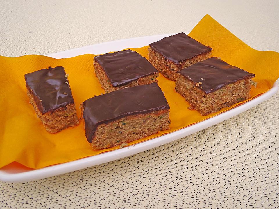 Zucchini Kuchen Mit Schokoladenglasur Von Riga53 Chefkoch De