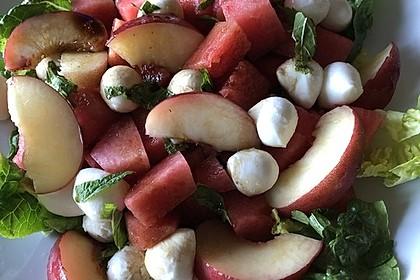 Sommerlicher Mozzarella-Melonensalat (Bild)