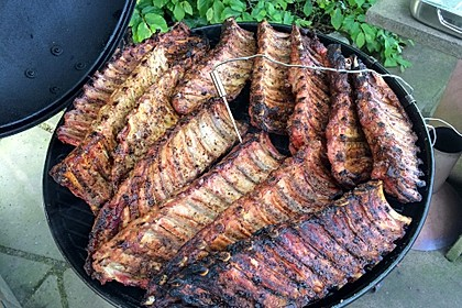 Köstliche BBQ Spareribs für Smoker und Backofen mit Soße und Gewürzmischung 4
