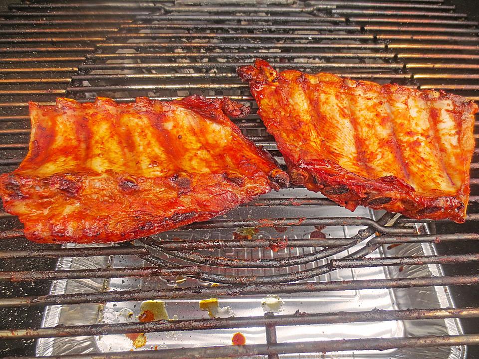 Spareribs Auf Dem Gasgrill Smoken : Köstliche bbq spareribs für smoker und backofen mit soße und