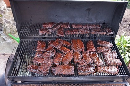 Köstliche BBQ Spareribs für Smoker und Backofen mit Soße und Gewürzmischung 23