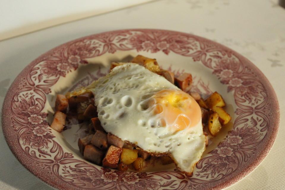 Kartoffel Leberkase Pfanne Mit Spiegelei Von Riga53 Chefkoch