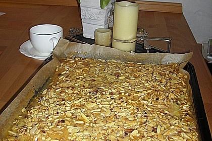 Saftiger Mandelkuchen mit Buttermilch