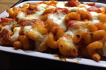 Cremiger Nudelauflauf mit Tomaten und Mozzarella 89