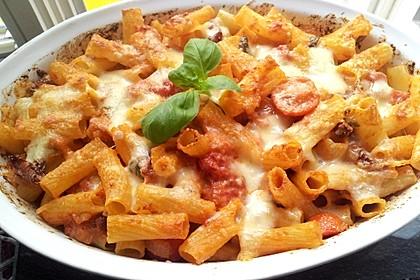 Cremiger Nudelauflauf mit Tomaten und Mozzarella 12