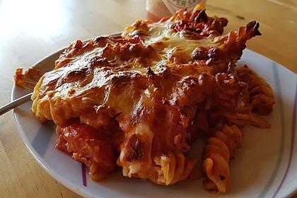 Cremiger Nudelauflauf mit Tomaten und Mozzarella 102