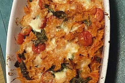 Cremiger Nudelauflauf mit Tomaten und Mozzarella 101