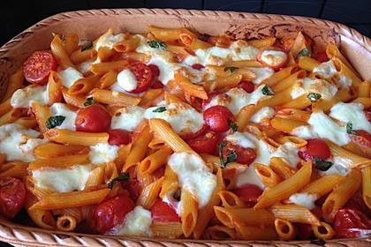 Cremiger Nudelauflauf mit Tomaten und Mozzarella 36