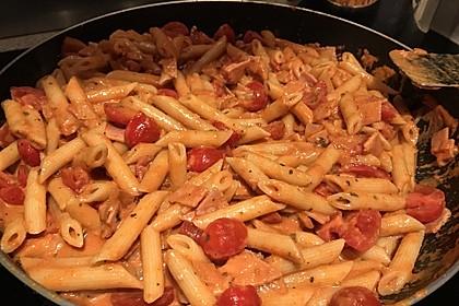 Cremiger Nudelauflauf mit Tomaten und Mozzarella 46