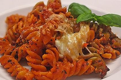 Cremiger Nudelauflauf mit Tomaten und Mozzarella 52