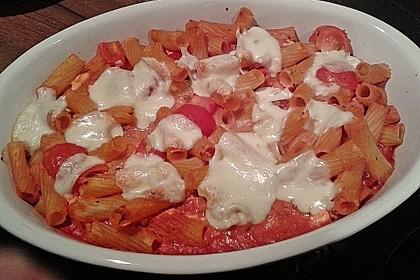 Cremiger Nudelauflauf mit Tomaten und Mozzarella 166
