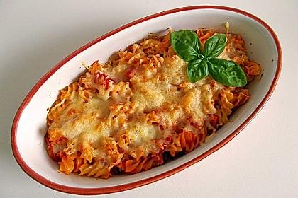 Cremiger Nudelauflauf mit Tomaten und Mozzarella 9