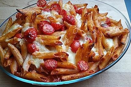 Cremiger Nudelauflauf mit Tomaten und Mozzarella 22