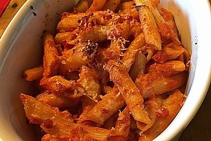 Cremiger Nudelauflauf mit Tomaten und Mozzarella 204