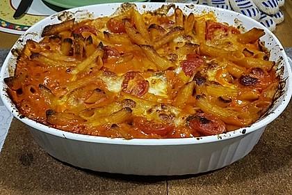 Cremiger Nudelauflauf mit Tomaten und Mozzarella 167