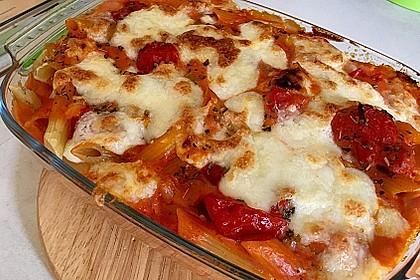Cremiger Nudelauflauf mit Tomaten und Mozzarella 197