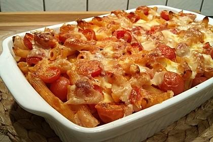 Cremiger Nudelauflauf mit Tomaten und Mozzarella 152