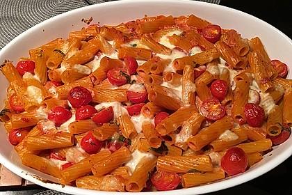 Cremiger Nudelauflauf mit Tomaten und Mozzarella 31