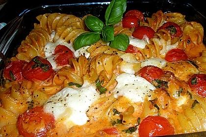 Cremiger Nudelauflauf mit Tomaten und Mozzarella 7