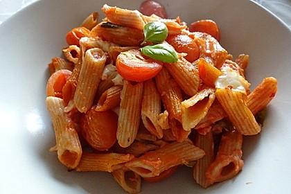 Cremiger Nudelauflauf mit Tomaten und Mozzarella 30