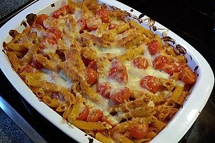 Cremiger Nudelauflauf mit Tomaten und Mozzarella 173