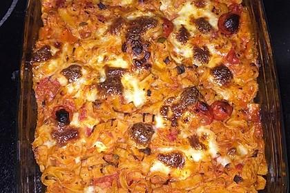 Cremiger Nudelauflauf mit Tomaten und Mozzarella 180