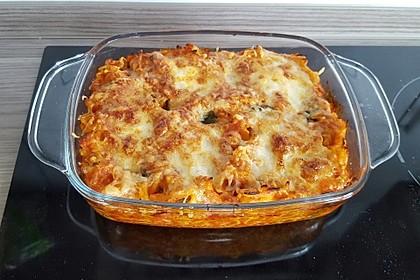 Cremiger Nudelauflauf mit Tomaten und Mozzarella 151