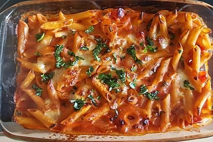 Cremiger Nudelauflauf mit Tomaten und Mozzarella 198