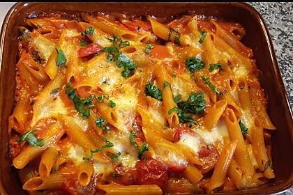 Cremiger Nudelauflauf mit Tomaten und Mozzarella 172