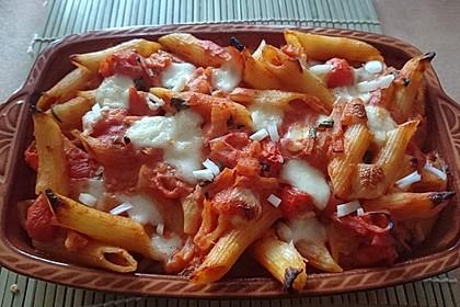 Cremiger Nudelauflauf mit Tomaten und Mozzarella 139