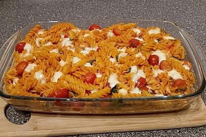 Cremiger Nudelauflauf mit Tomaten und Mozzarella 76