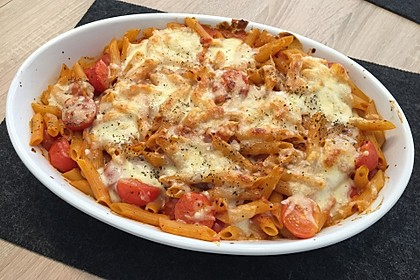 Cremiger Nudelauflauf mit Tomaten und Mozzarella 25
