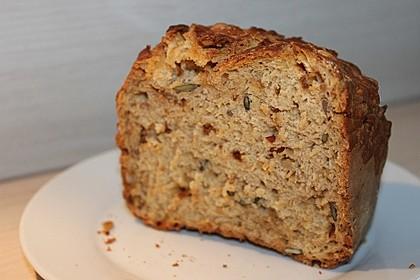 Brot mit Bier gebacken (Bild)