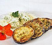 Gebratene, panierte Auberginen mit mediterranen Kräutern (Bild)