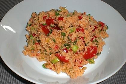 Couscous Salat mit frischer Minze, Petersilie, Frühlingszwiebel, Tomate, Gurke 6