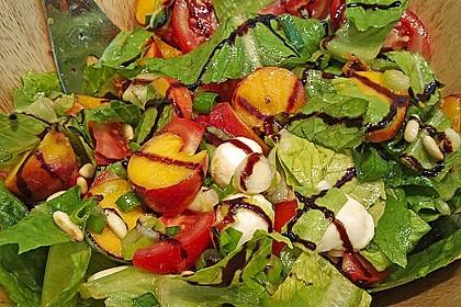Bunter Blattsalat mit Pfirsichen 2