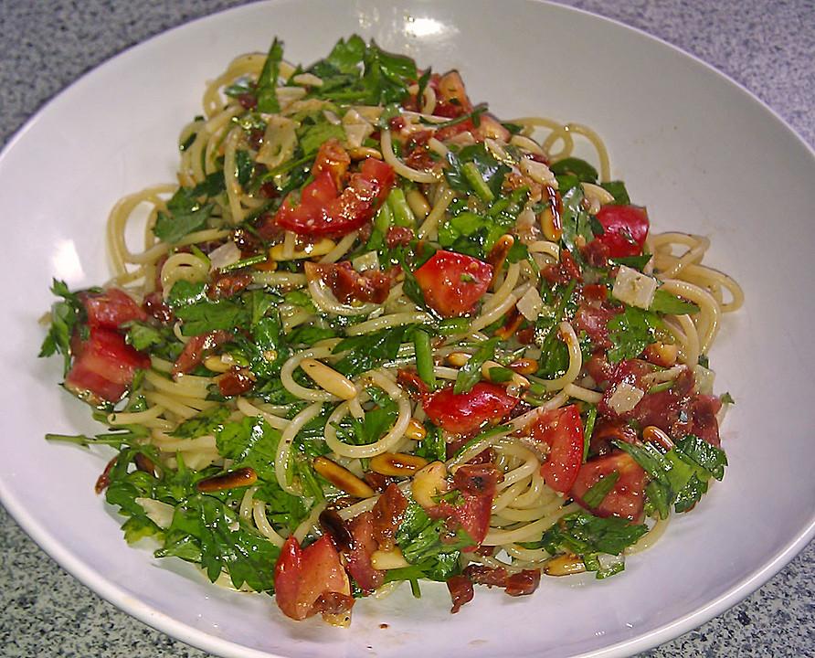 Kalte Sommerküche : Schnelle lauwarme petersilien spaghetti mit kalter tomatensoße von