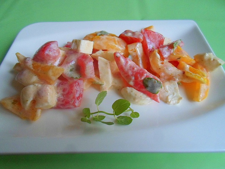 tomaten paprika mozzarella salat mit joghurtdressing von. Black Bedroom Furniture Sets. Home Design Ideas