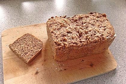 Roggen-Sauerteig-Mischbrot, gebacken im Brotbackautomaten 4